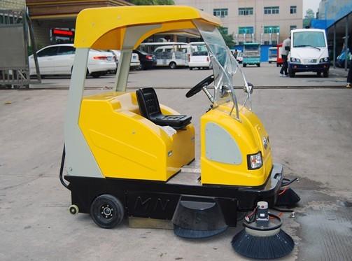 Electric road sweeping car manufacturer in China